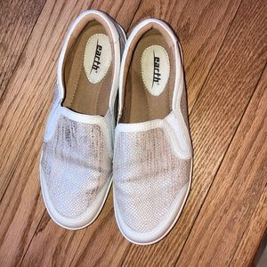 Earth slip on shoes